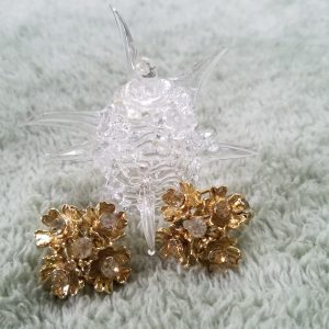 Vintage Champagne Rhinestone Flower Clip On Earrings