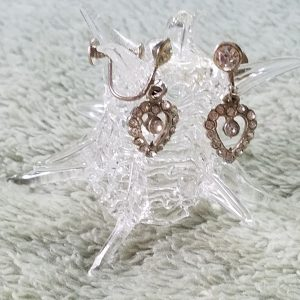 Vintage Rhinestone Heart Screw Back Earrings