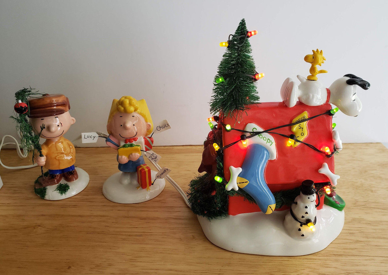 Department 56 Christmas Tree.Department 56 A Very Snoopy Christmas