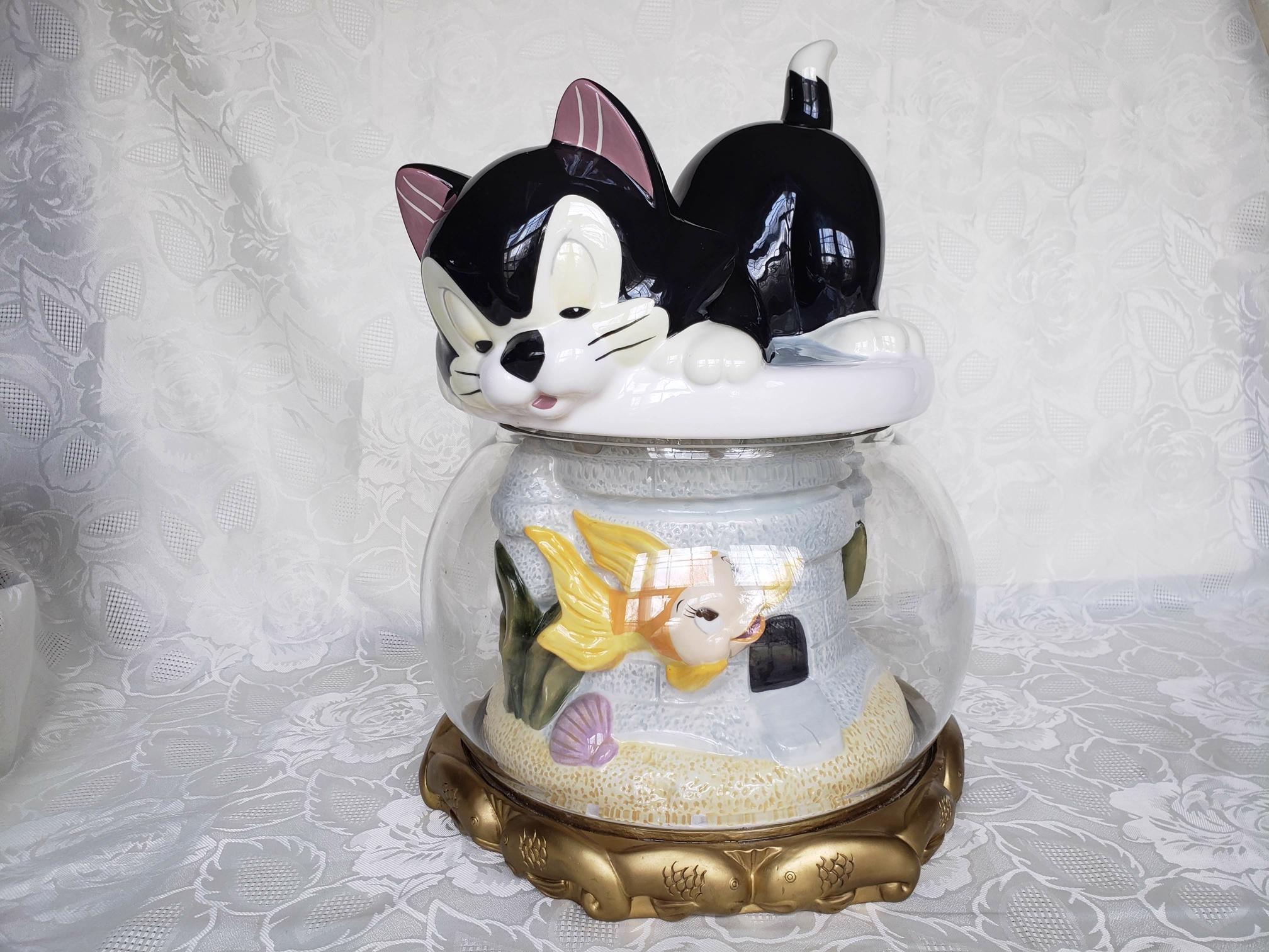 Disney Cookie Jars >> Limited Edition Cleo And Figaro Disney Cookie Jar Coming Soon