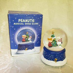 Hallmark 50th Anniversary Peanuts Musical Snow Globe